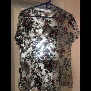 Sheet floral tee! Wear it daring or safe! Xl